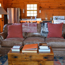 Traditional Family Room Afton Virginia Cabin