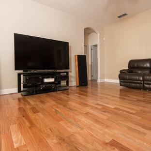 Amendoim Wood Flooring  - Family Room - 1