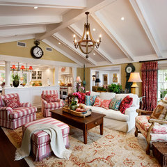 traditional family room by Giffin & Crane General Contractors, Inc.