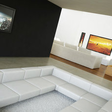 Contemporary Family Room by Si-Huis