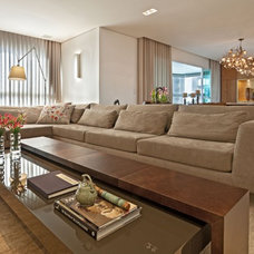 Contemporary Family Room by Eduarda Correa Arquitetura & Interiores