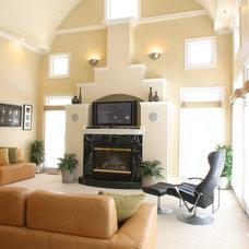 Modern Family Room by Boye Architecture/boyehomeplans.com