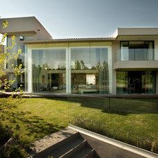 Contemporary Family Room ARCO Arquitectura Contemporanea