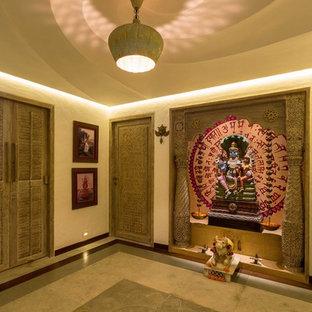 Kolonialstil Wohnzimmer in Mumbai