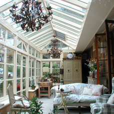 Traditional Family Room by Ashcroft Conservatories Pty Ltd
