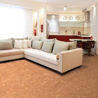Foto di un soggiorno mediterraneo con pavimento in sughero