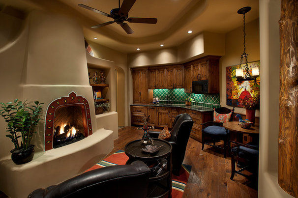 Traditional Family Room by Mooney Design Group, Inc.