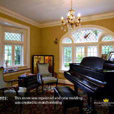 Traditional Family Room by English Heritage Homes of Texas