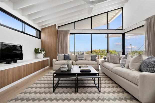 Coastal Family Room by Osmond McLeod Architects