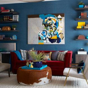 Ispirazione per un soggiorno contemporaneo chiuso con pareti blu, parquet scuro, nessun camino e nessuna TV