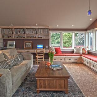 Immagine di un soggiorno stile americano di medie dimensioni e aperto con pavimento in sughero, camino classico, libreria, pareti viola, cornice del camino in mattoni e nessuna TV