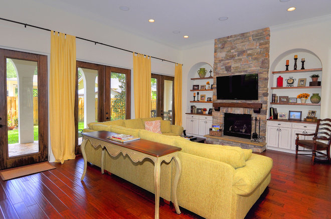 Mediterranean Family Room by Javic Homes