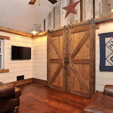 Rustic Family Room by L.Bonadies General Contracting