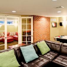 Family Room by Henderer Design + Build