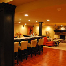 Traditional Family Room by Plan-2-Finish, Inc.