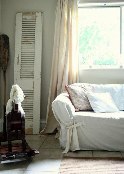 Romántico Sala de estar by The Virginia House