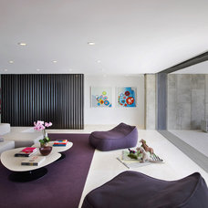 Beach Style Family Room by West Chin Architects & Interior Designers