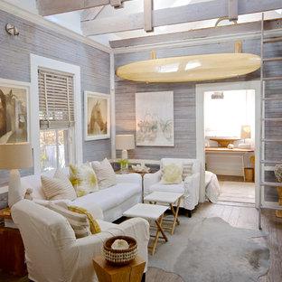 ジャクソンビルのビーチスタイルのおしゃれなファミリールームの写真