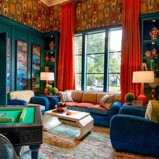 Ispirazione per un soggiorno classico di medie dimensioni con moquette, pavimento multicolore, angolo bar e pareti multicolore