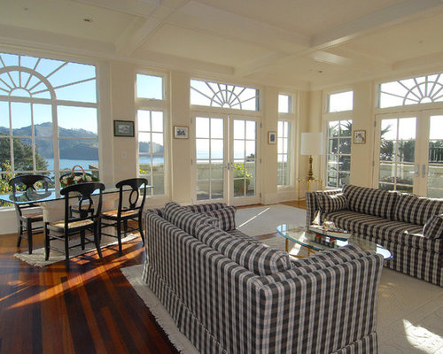 Beautiful Example Of A Classic Family Room Design In San Francisco