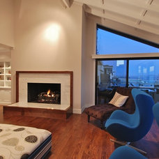 Modern Family Room by DANIEL HUNTER AIA Hunter architecture ltd.