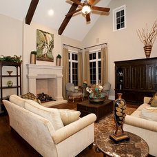 Traditional Family Room by Bentley Premier Builders