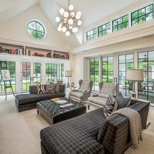 Modelo de sala de estar con rincón musical abierta, clásica, grande, con paredes blancas, moqueta y suelo gris