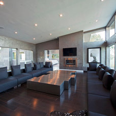 Modern Family Room by Studio1Plaster