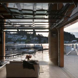 シアトルのビーチスタイルのおしゃれなファミリールームの写真