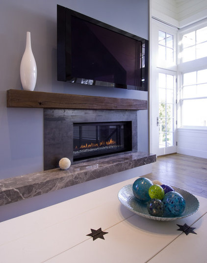 Beach Style Family Room by Viscusi Elson Interior Design - Gina Viscusi Elson