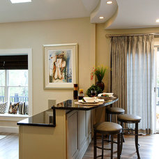 Traditional Family Room by Harth Builders