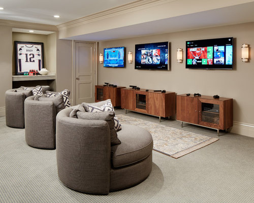 Example of a large classic underground carpeted and gray floor basement  design in Chicago with beige