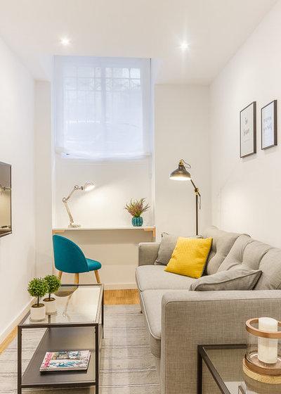 Scandinavian Family Room by Constanza Subijana/HS DECOR