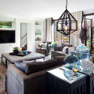 Bright Family Room: Robeson Design