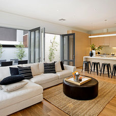 Contemporary Family Room by Ducon Pty Ltd