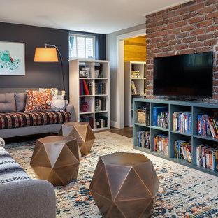 シアトルのエクレクティックスタイルのおしゃれなファミリールーム (青い壁、暖炉なし) の写真