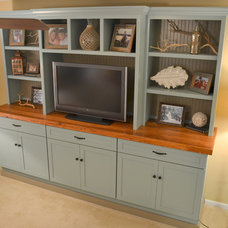 Beach Style Family Room by Phifer Contracting Services
