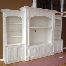 Traditional Family Room by Louisvillewoodwork