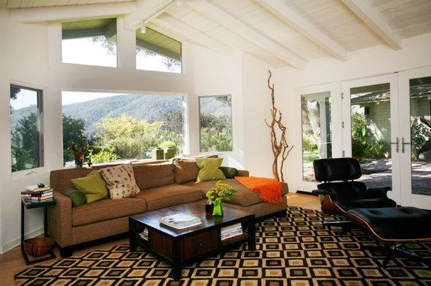 Contemporary Family Room by marie glynn