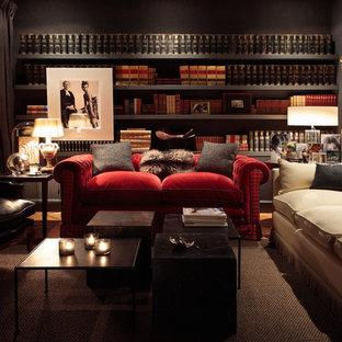 Diseño de sala de estar con biblioteca cerrada, clásica renovada, de tamaño medio, sin chimenea y televisor, con paredes negras y moqueta