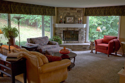 Traditional Family Room by Interior Changes home design