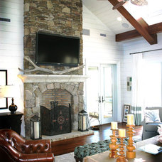 Beach Style Family Room by Catalyst Architects, LLC