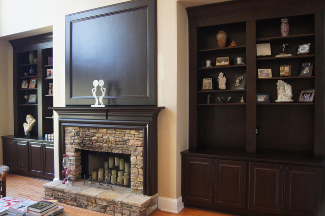 Traditional Family Room by Creative Cabinets and Faux Finishes. LLC