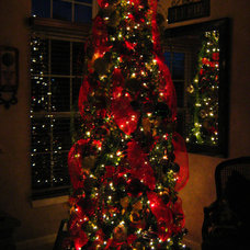 Traditional Family Room Christmas (Family Room Tree)
