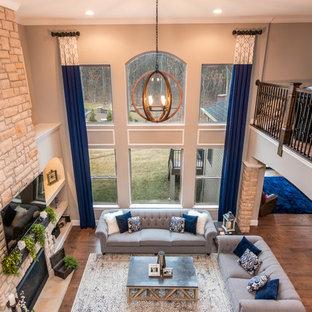 Foto di un soggiorno chic di medie dimensioni e aperto