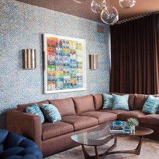 Imagen de sala de estar actual con paredes multicolor