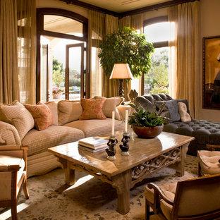 Modelo de sala de estar tradicional con paredes beige