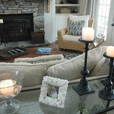 Beach Style Family Room by Peridot Decorators, Inc.