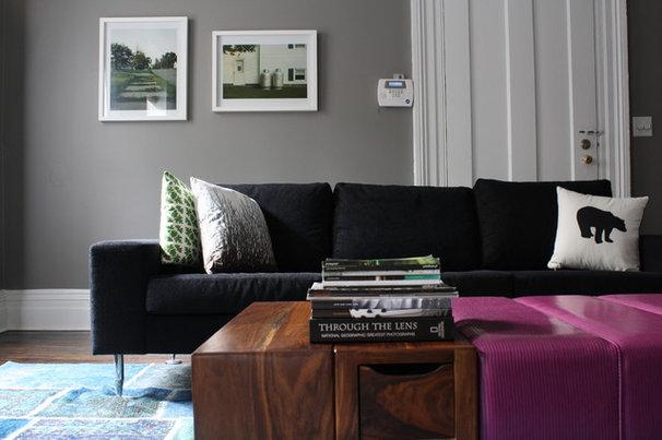 Modern Family Room by Studio D - Danielle Wallinger