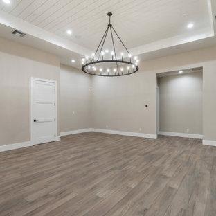Immagine di un grande soggiorno moderno stile loft con sala giochi e soffitto in perlinato